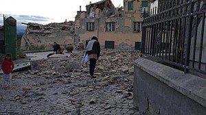 Ore 3.36 Il Centro-Italia Sconvolto Da Un Violento Terremoto,120 Morti e Migliaia di Sfollati Di;Mimmo Siena