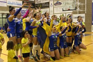 La Libera Virtus Centra La Promozione In B1 Di Volley Femminile Di;Mimmo Siena